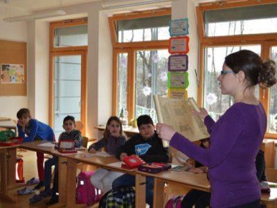 Die 4. Klasse lernt das Fach Latein näher kennen