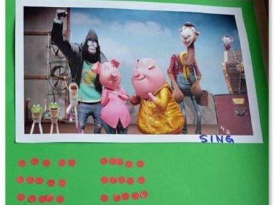"""Die Grundschule Hochbrück besucht den Kinofilm """"Sing"""""""
