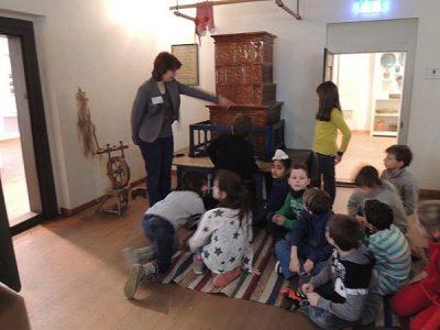 Die 3. Klasse besucht das Bezirksmuseum in Dachau
