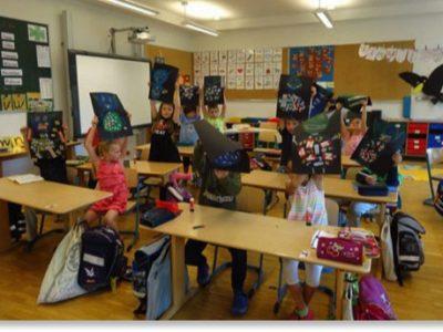 Die Kinder der 1. Klasse feiern das Buchstabenfest