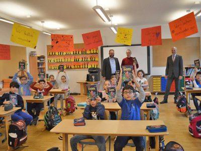 Buchgeschenke vom Rotary Club  Garching-Ismaning in der 2., 3. und 4. Klasse