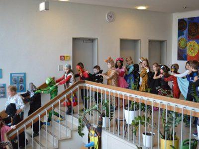 Buntes Faschingstreiben an der Grundschule Hochbrück